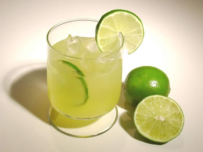 Caïpirinha drink opskrift