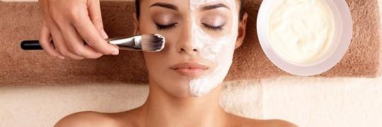 beroligende og dybderensende ansigtsmaske