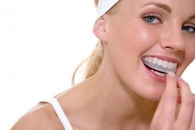 bleg dine tænder med omhu