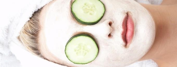 forfriskende og dybderensende ansigtsmaske