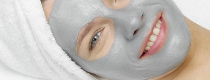 Helende og dybderense ansigtsmaske