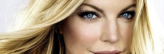 piercing i øjenbrynet