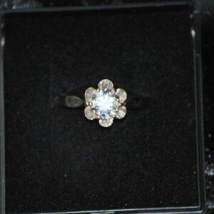 14 karat hvidguld ring art deco bjergkrystal