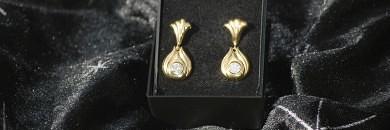 Guldørestikker med Zirkoner