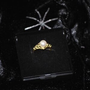 14 karat guldring med perle