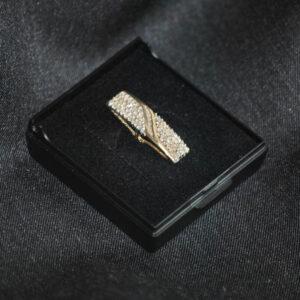 14 karat guld vedhæng med diamanter