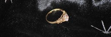 9 karat guldring med amethyst