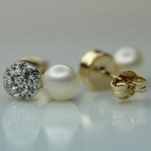 Håndlavede 9 karat guld perle øreringe med zirkoner.