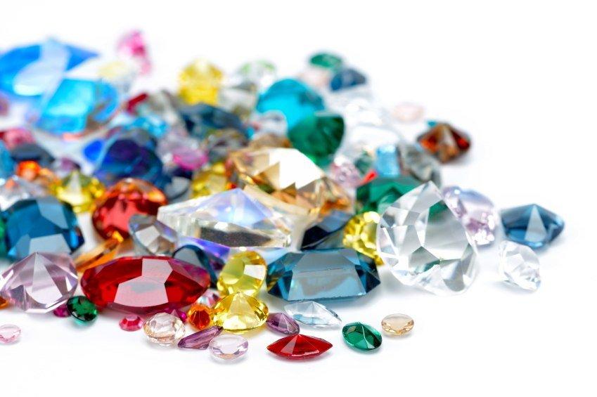Krystaller og ædelstens betydning og egenskaber
