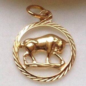 Tyren - Guld vedhæng med stjernetegnet tyr