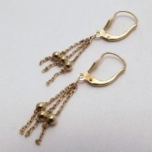 Guld øreringe med kæder og kugler