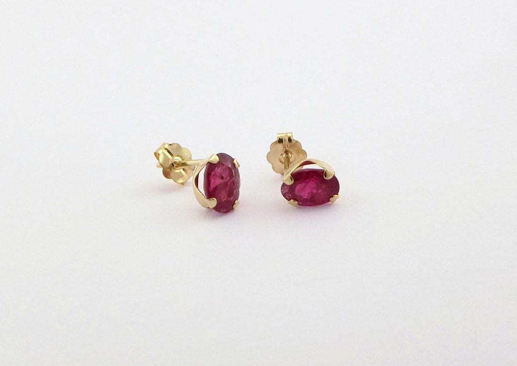 Rubin øreringe ørestikker i guld. Brugte rubin guldøreringe sælges billigt