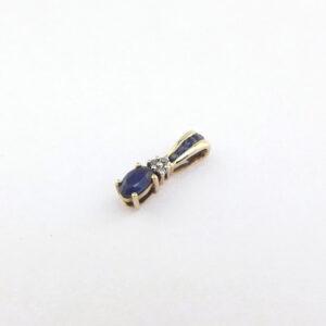 Guld vedhæng med diamanter og blå safirer billigt til salg. Brugt guldvedhæng i 9 karat guld med safir og brillianter