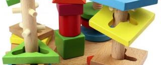 Trælegetøj til børn - økologisk legetøj. Trælegetøj er lærerigt og miljøvenligt