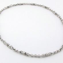Hvidguld halskæde i keltisk udførsel. Brugt guld halskæde