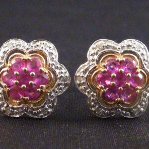 Guldørestikker med diamanter og rubiner i 375 hvidguld (4)