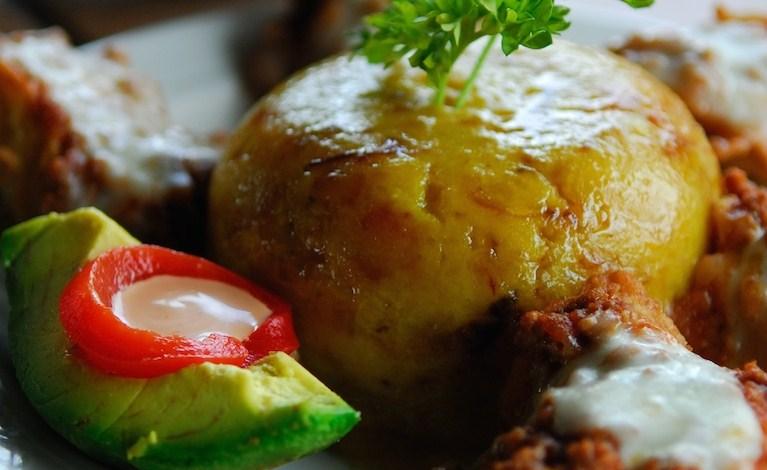Caribisk mad til aften-Find inspiration fra det skønne caribiske køkken med retten Mofongo fra Caribien.