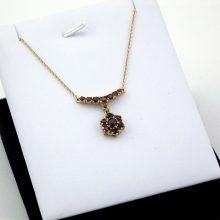 Guld collier med røde granater. Klassisk hals smykke