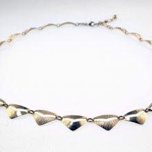 Smuk feminin guldhalskæde i gennemført håndværk. Pulze brugte og nye guld smykker