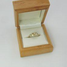 Damering med brillant i moderne udtryk billigt til salg. guldsmykker og brugte guldringe til salg. Ringe med diamanter & brillanter på tilbud.