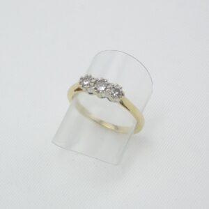 Diamantring med 3 Brillanter i 18 Karat guld billigt til salg. Brugte Guldringe med diamanter & brillanter sælges