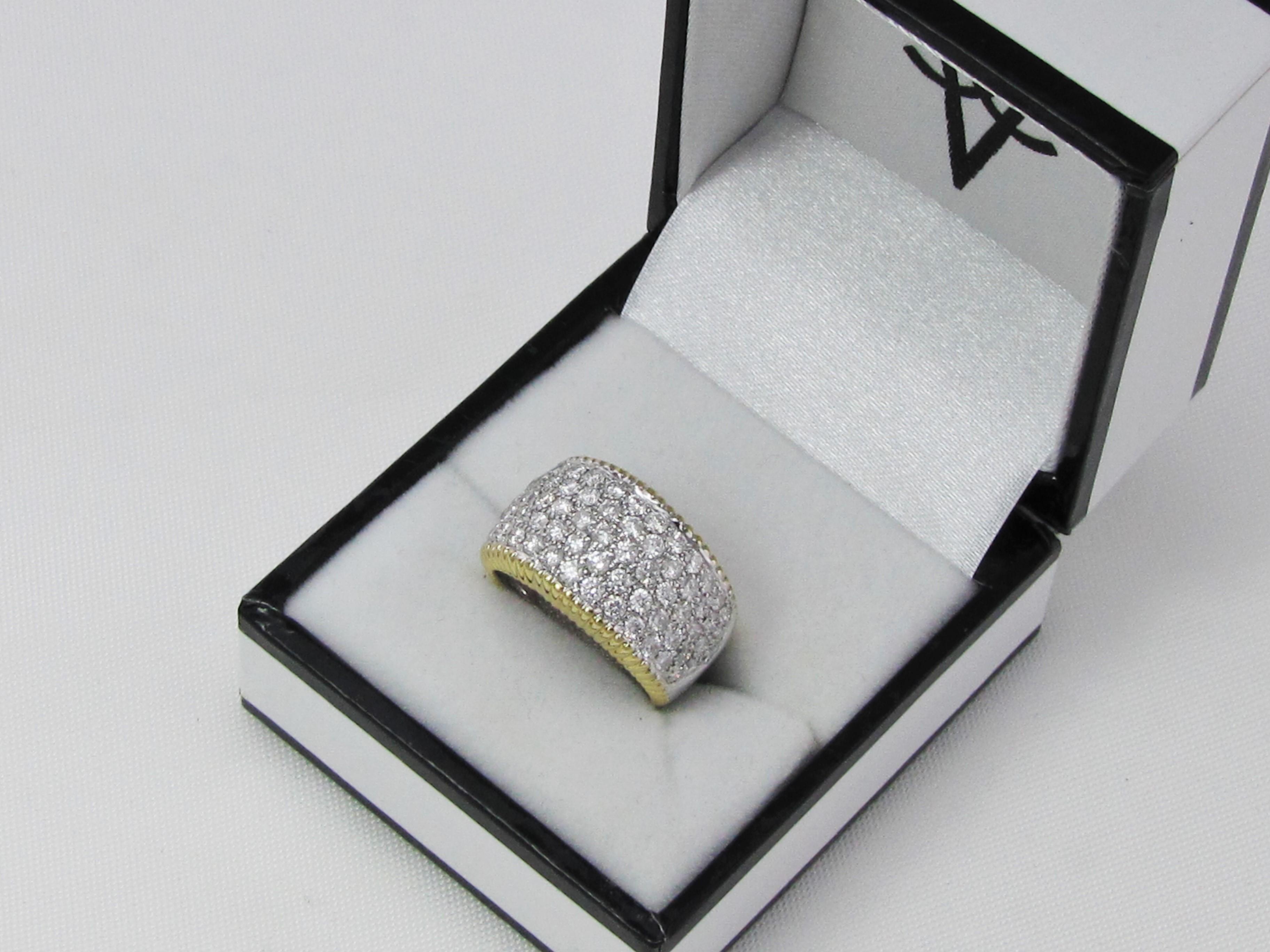 Pavé Brillant ring 1.75 ct. 18 karat guld med platinindfatning