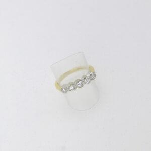 18 Karat brillantring 0.75 ct. til salg. Brugt brillant ring