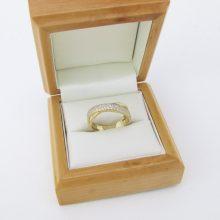 Billig design guldring med zirkoner i 14 karat guld til salg