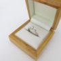 Brillantring 0.25 ct. hvidguldsring i elegant og moderne design brugt til salg. billig guldring 9 karat med brillanter sælges. Hvidguldsring med diamant.