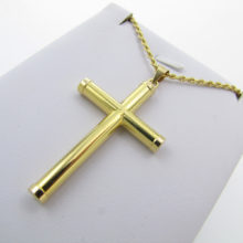 Guld kors med tilhørende halskæde i 14 karat - Kristent kors i guld