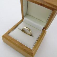 Bred Fingerring i 9 karat guld I love you indgraveret