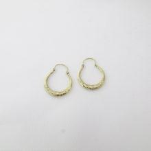 Vintage creoler med flotte antikke mønstre og rubiner i 14 karat guld. Køb brugt guld creol og antik øreringe. Billige vintage guld øreringe creoler.