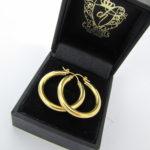 Glatte klassiske guld creoler i 8 karat guld